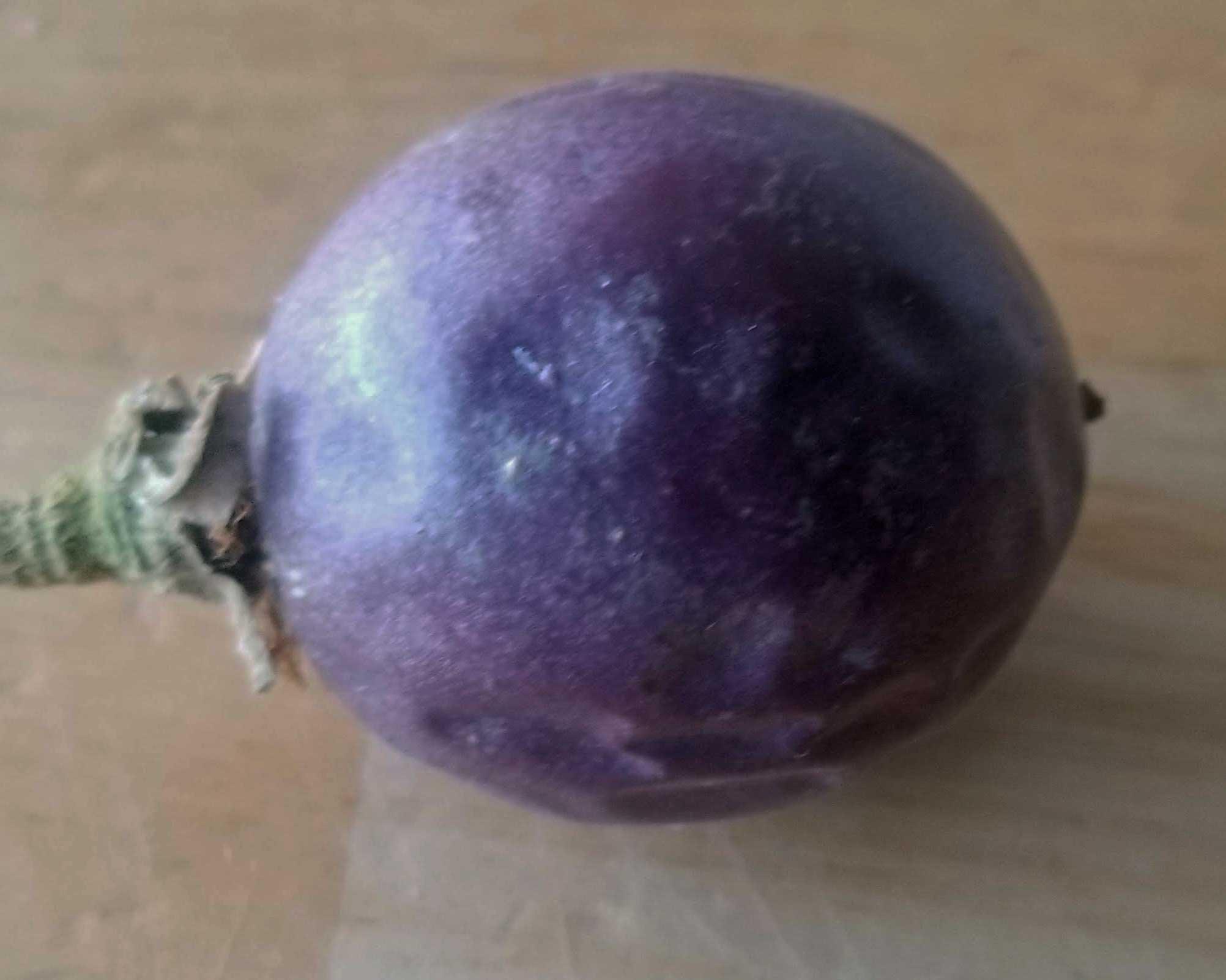 passionfruit-whole