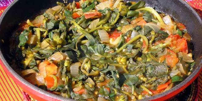 puerco con verdolagas stew